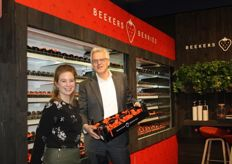 Shirley van der Linden en Will Beekers in de standvan Beekers Berries